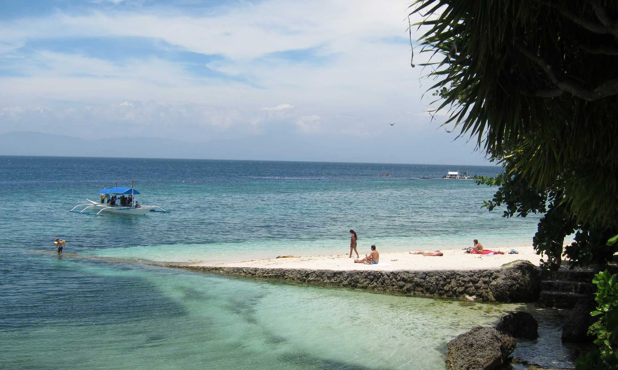 Beach front at Tipolo Beach Resort Moalboal